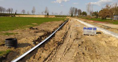 Przebudowa bieżni okrężnej 4-torowej o długości 400 metrów w Radziłowie